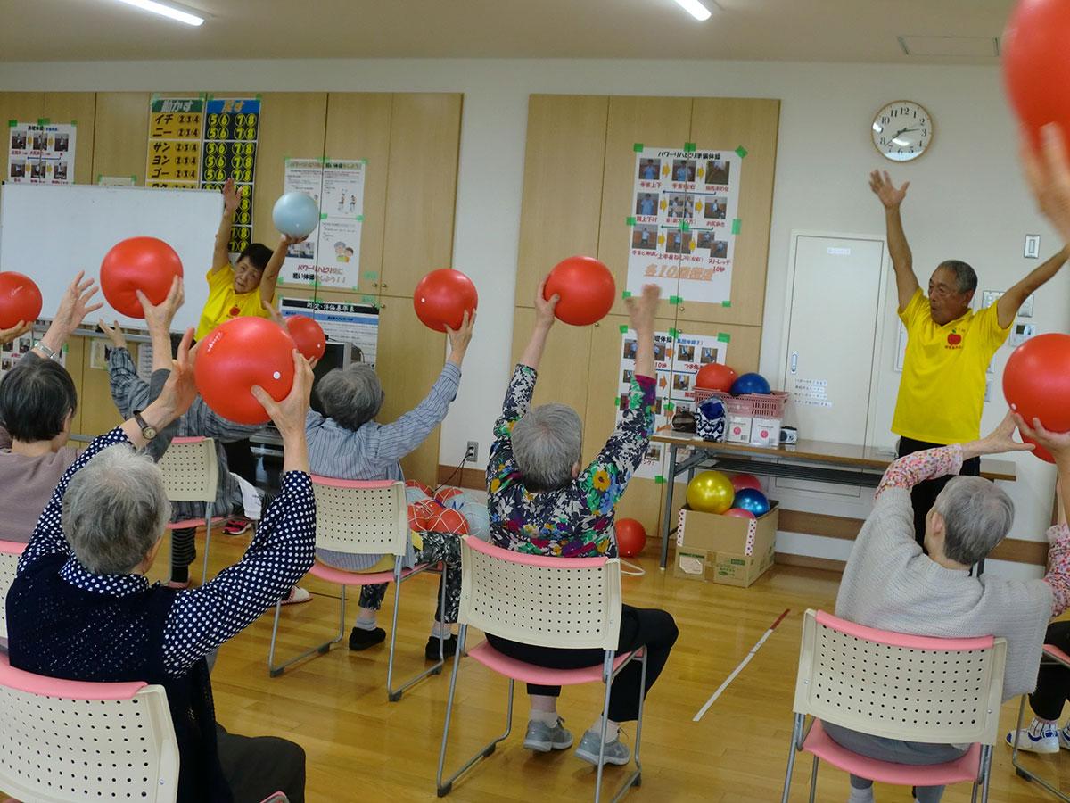『いきいき体操』で体力作り! 1 コミュニティーカフェわかば