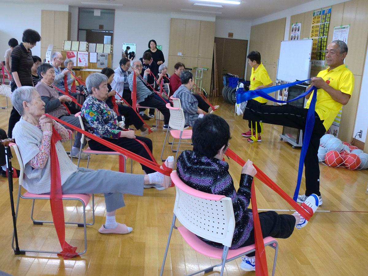 『いきいき体操』で体力作り! 2 コミュニティーカフェわかば