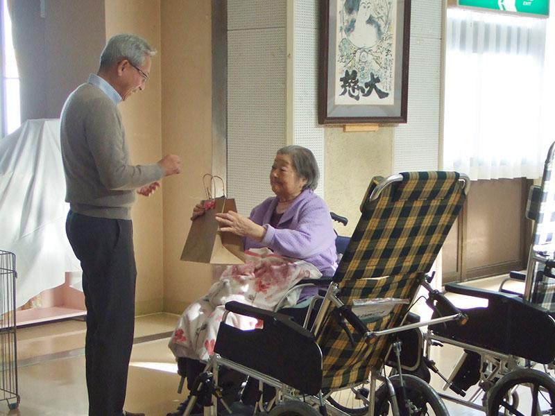 車椅子贈呈式 特別養護老人ホームサンアップルホーム