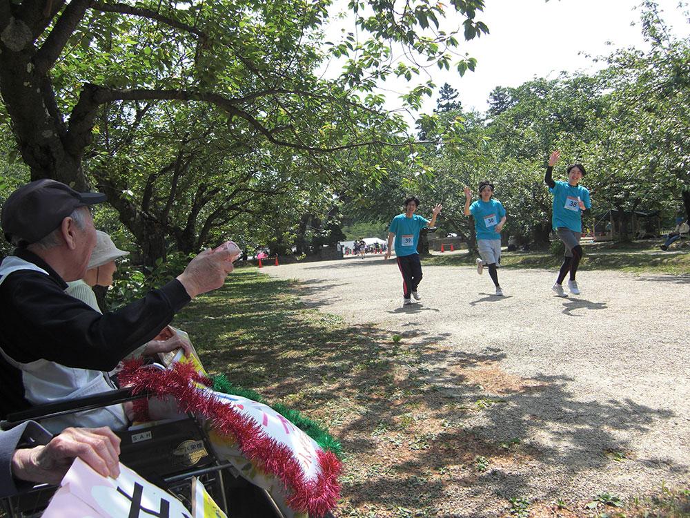 弘前城リレーマラソン 1 特別養護老人ホームサンアップルホーム